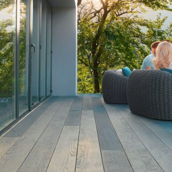 Millboard Enhanced Grain Decking – Brushed Basalt Planks