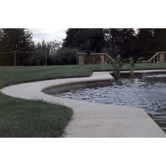 Dry Cast Reconstituted Stone Bull Nosed Pool Surround - UK Made