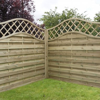 Continental Fence Panel - pressure treated horizontal weave with trellis 1800mm x 1800mm