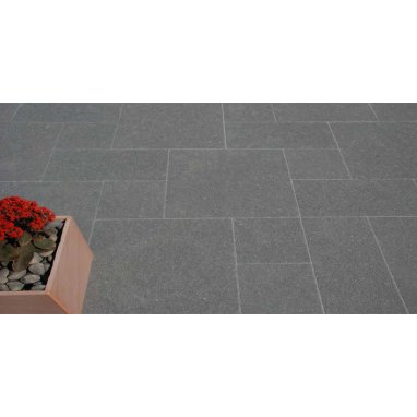 Strata Venetian Ebony Granite Paving Slab 11.52m2 Patio Pack - £36.09 p/m2